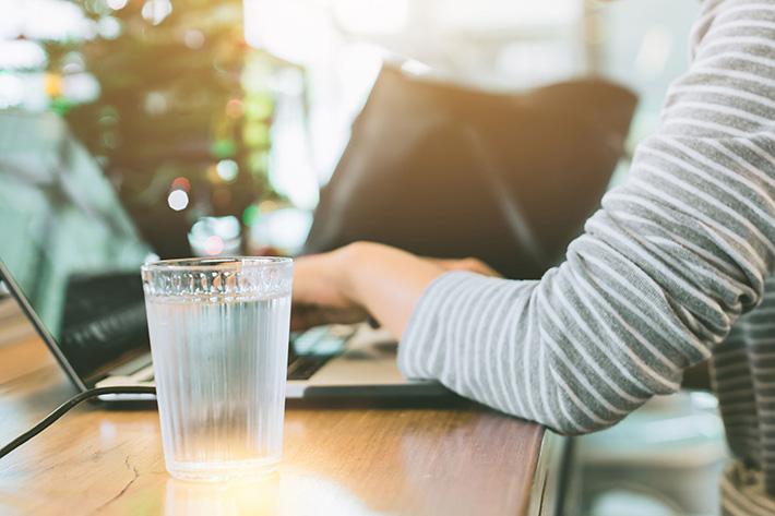 Bottleless-Water-Coolers-vs-bottled-water-MI-office-water-coolers